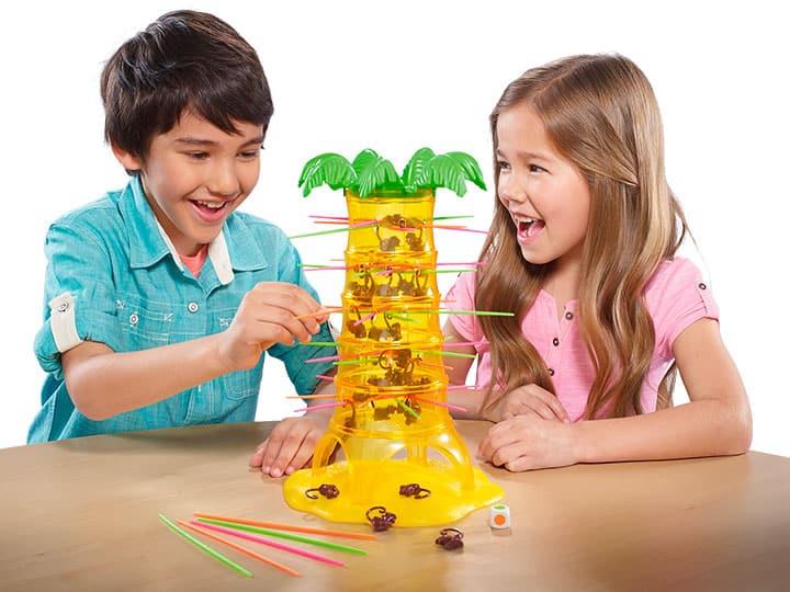 Les enfants jouent à SOS ouistiti